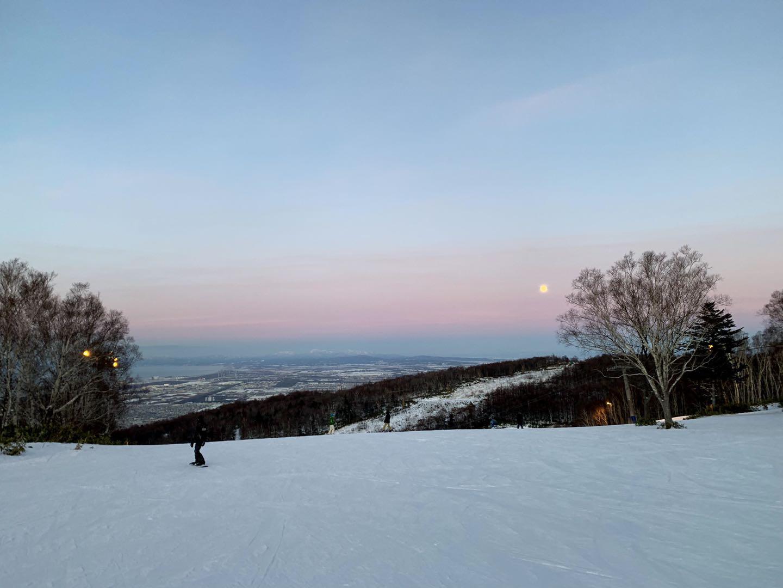 北海道滑雪 札幌手稻滑雪場 傍晚